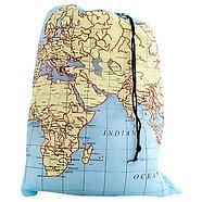 kikkerland-travel-size-laundry-bag-world-map
